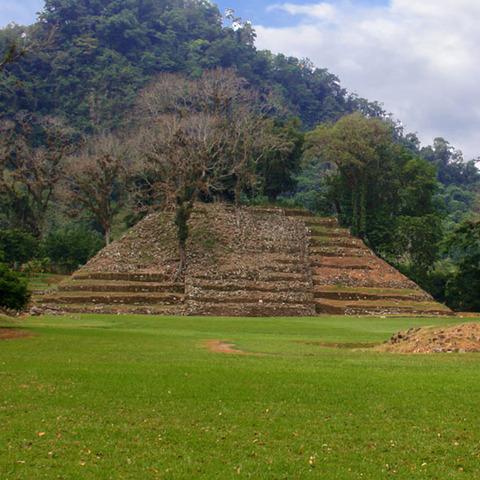 Los Olmecas abandonan San Lorenzo