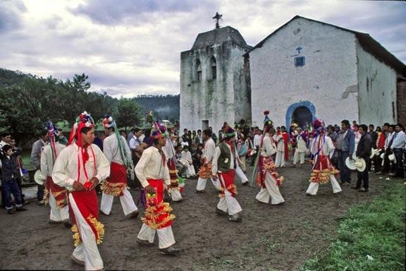 Danza tradicional prehispánica.