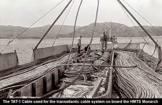 Se inaugura el primer sistema de cable telefónico trasatlántico submarino, conocido como TAT-1