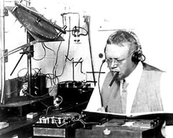 La Primera transmisión radiofónica del mundo se realizó en la Nochebuena de 1906,