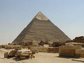 Arte Egipcio. Imperio Antiguo.La pirámide de Jirafa (Kefren) en Guiza.