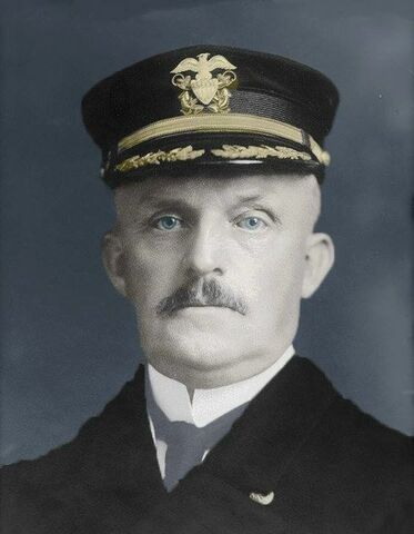Knapp, primer gobernador norteamericano de la Isla.