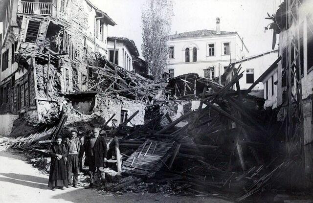 Βομβαρδισμός της Καστοριάς  από ιταλικά αεροπλάνα