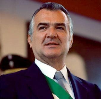 Toma la Presidencia Miguel de la Madrid