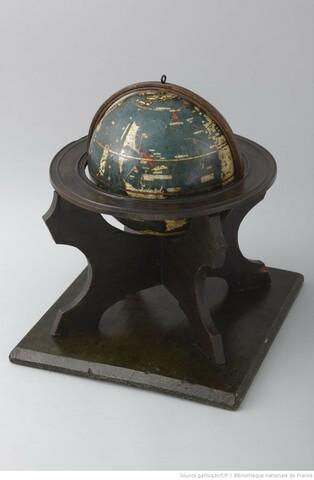Carte et globe de Waldseemüller