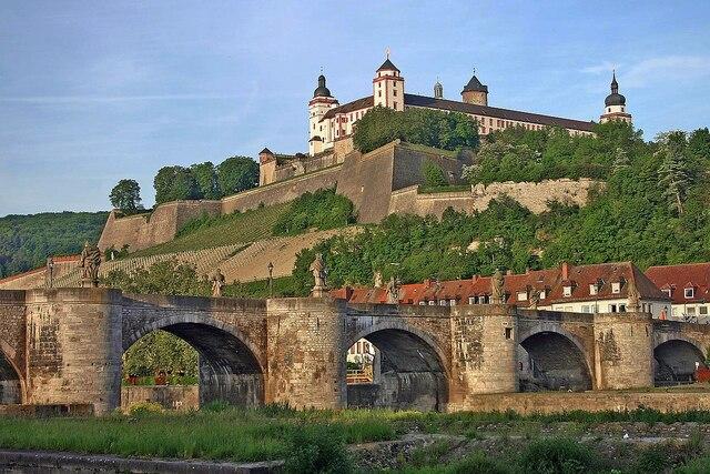 Convocaron a Roentgen a Würzburg para impartir clases