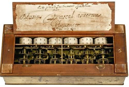 1642 - Calculadora