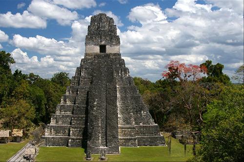 Gran Jaguar de Tikal (721 d.C)