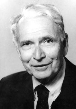 Erwin Chargaff descubre las leyes de complementariedad de bases de los ácidos nucleicos.
