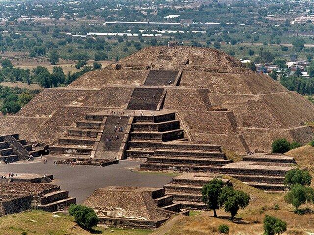 Pirámide del sol y Pirámide de la luna