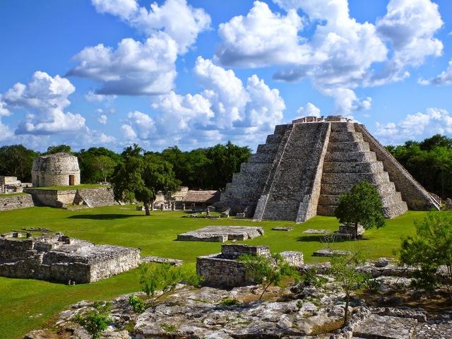 Rebelión en Mayapán