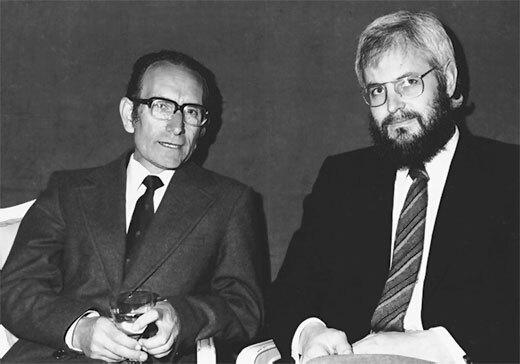 Georges J. F. Köhler  y el argentino César Milstein producen anticuerpos monoclonales