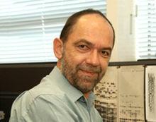 sir Alec John Jeffreys desarrolla las huellas genómicas