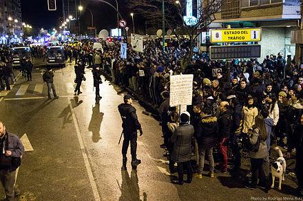 Manifestación de 3500 personas contra las obras