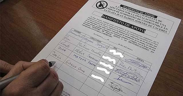 Entrega de firmas contra el proyecto de construcción