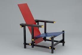 Cadira vermella i blava