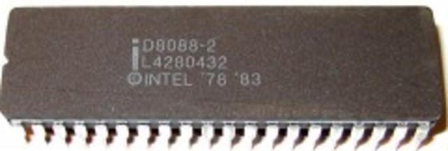 Tercer microprocesador desarrollado enter los años de 1979 y agosto de 1981