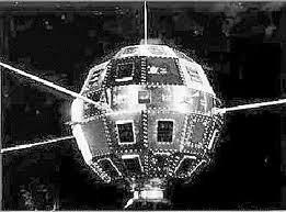 Los satélites artificiales nacieron durante la guerra fría entre Estados Unidos y La Unión Soviética.