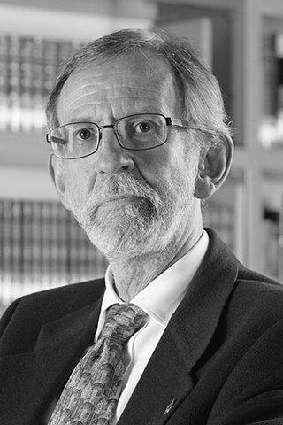 EL DR. FRANCICO BOLIVAR ZAPATA DESARROLLO EL PRIMER VECTOR DE CLONACION