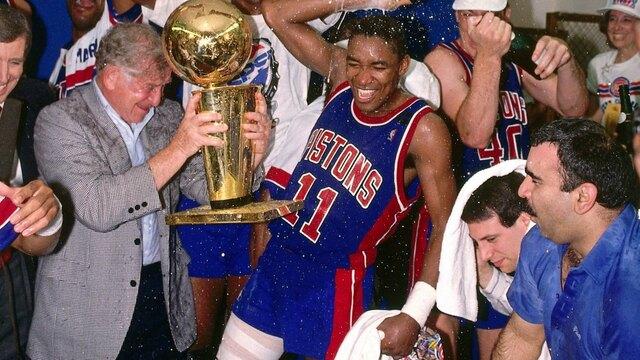Los Pistons barren a  los Blazers de Drexler para conseguir su segundoanillo