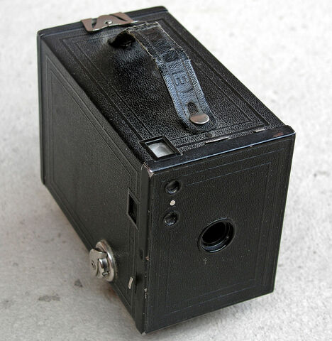 "First mass marketed camera, ""the brownie"" was presented by Easton"