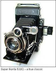 Folding camera made for 120 roll film