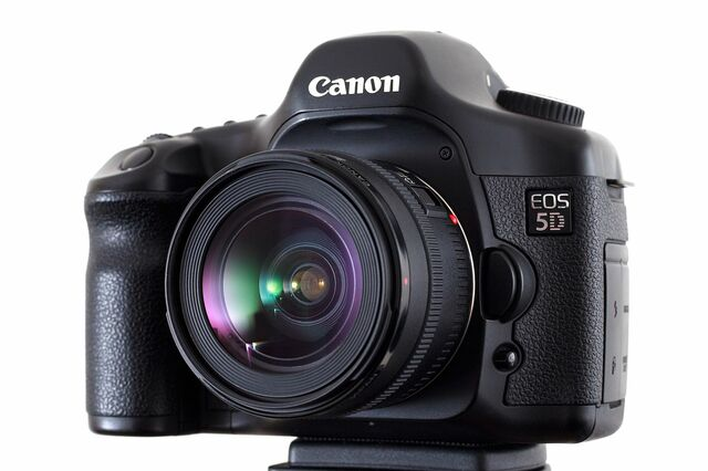 Canon EOS 5D launched