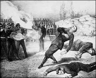 Huye Maximiliano de Habsburgo pero fue capturado y fusilado