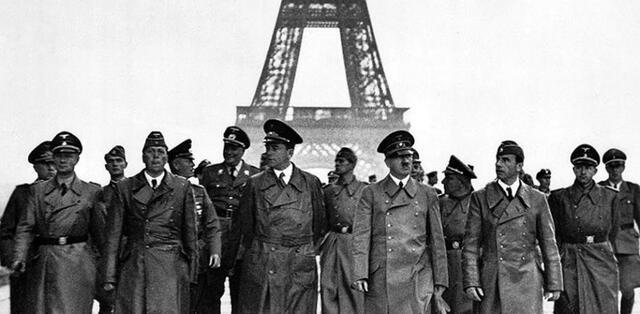 Alemania invade Francia
