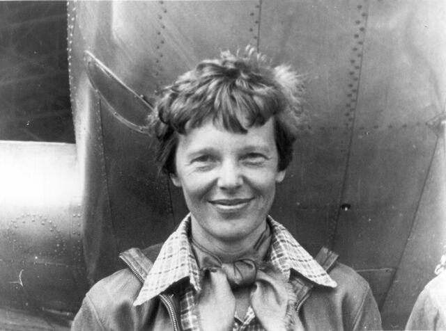 Amelia Earhart becomes First Women to Fly Across Atlantic Ocean