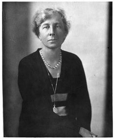 Lillian Gilbreth (1878 - 1972)