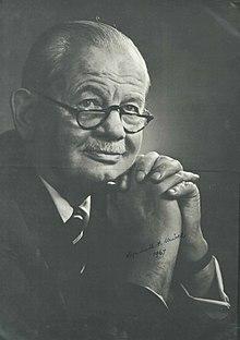 Lyndall Urwick (1891 - 1991)