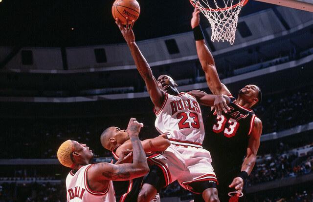 Jordan barre a los Heat de Mourninng