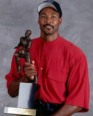 "Karl ""The Mailman"" Malone gana el MVP"