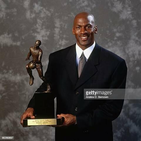 Jordan gana su 4º MVP