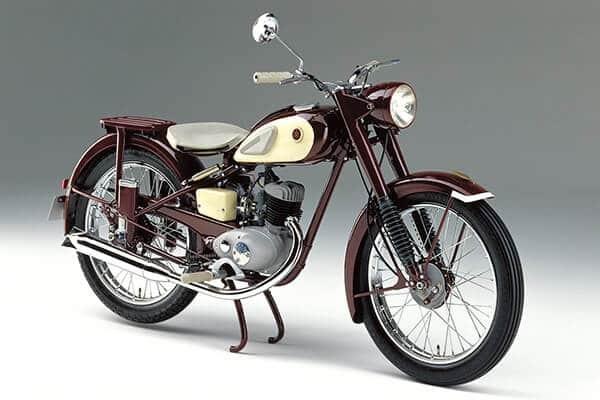 Primera moto de Yamaha