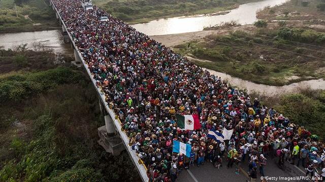 Comienza el fenómeno de las caravanas migrantes hacia EUA