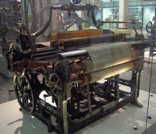 Edmund Cartwright inventa el telar mecánico