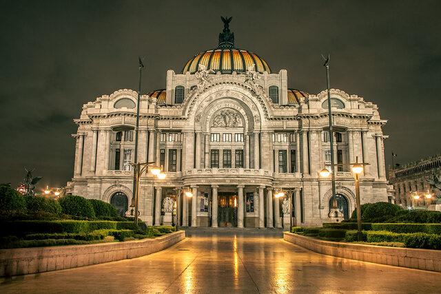 Se inaugura Bellas Artes