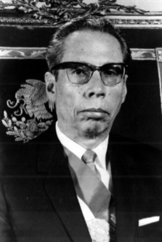 Gustavo Díaz Ordaz asume la presidencia