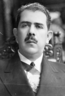 Lázaro Cárdenas asume la presidencia