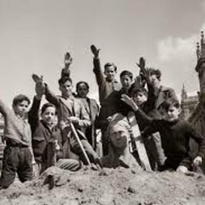 FRANKISMOAREN HASIERA (1939-59) timeline
