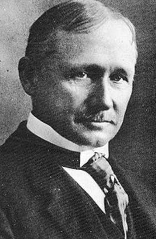 Nacimiento de F. Taylor
