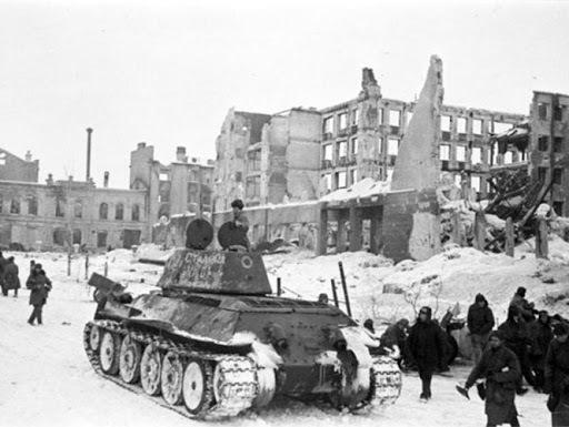 Se inicia la batalla de Stalingrado entre Alemania y Unión Soviética.