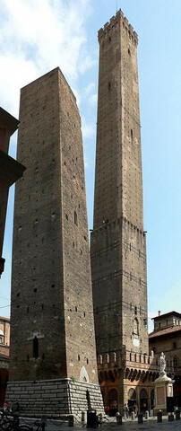 (1109-1119 ) torre de Garisenda e Asinelli