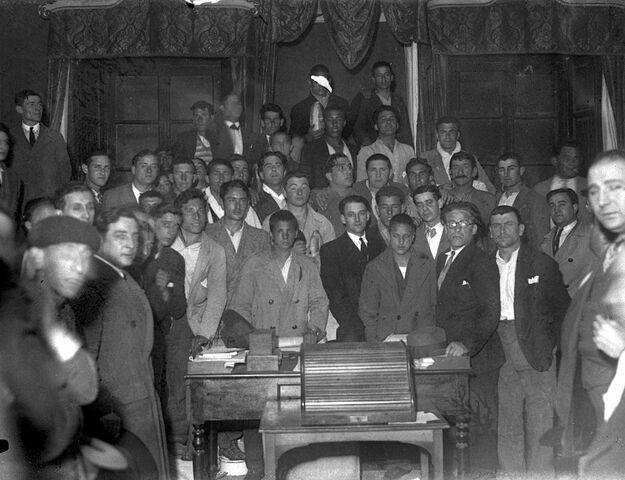 Se inaugura el Ateneo Obrero de Gijón
