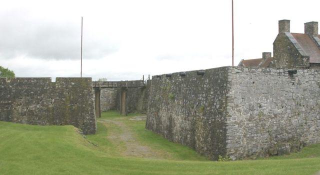 French take Fort Ticonderoga