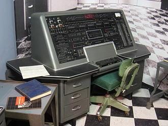 Primer  computadora de propósito comercial
