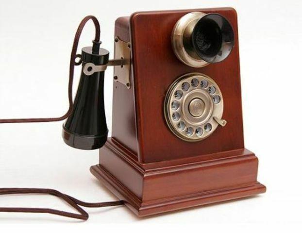 Se inventa el telefono 1876