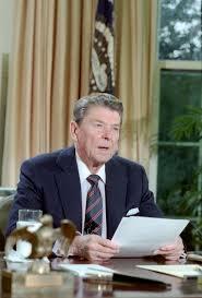 """Ronald Reagan trata de recuperar el """"orgullo"""" perdido durante el periodo pacifista de Carter"""